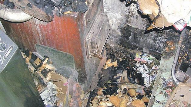 Takto dopadla jedna z kotelen, kde opavští hasiči zasahovali. Také v tomto případě majitel domu podcenil zásady bezpečnosti.