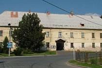 Zámek v Jezdkovicích.