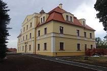 Zámek bude sloužit jako multifunkční dům.