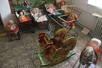 Výstava Karla Kostery na stěbořickém zámku.
