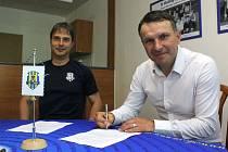 Novým koučem Slezského FC Opava se stal Roman Skuhravý. S vedením klubu se dohodl na ročním kontraktu s oboustrannou opcí.
