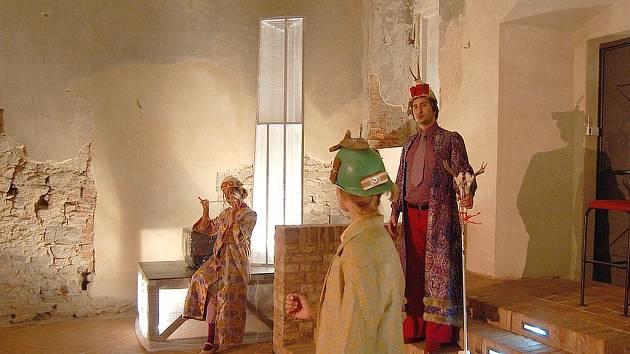 Představení Oidipus komplexně proběhlo v rámci festivalu Bezručova Opava.
