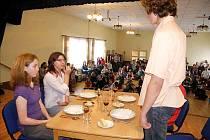 Jedním z témat projektu bylo také stolování.
