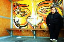 Bolatické zastávky zkrášlují malby Martina Sabona Sněhoty.