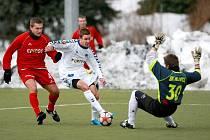 Vojtěch Hadaščok (s míčem) se v Liberci aklimatizoval velmi rychle. Dává góly za áčko i juniorku.