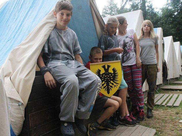 Letní tábory jsou mezi dětmi stále velice oblíbené.