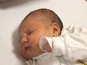 Isabelle Jarošová se narodila 8. února, vážila 3,90 kilogramů a měřila 51 centimetrů. Rodiče Míša a Adam z Bohučovic jí přejí, aby byla v životě zdravá a šťastná. Na Isabelle už doma čeká sestřička Nelinka.