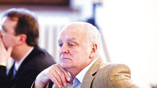 Zastupitel a poslanec Václav Klučka (ČSSD) míní, že jeho stranický kolega, náměstek primátora Daniel Žídek mnohé věci neřídí špatně.