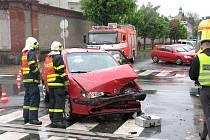 Dopravní nehoda na křižovatce opavských ulic Mírová a Veleslavínova.
