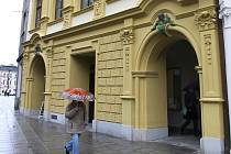 Dům U Mouřenína v ulici Mezi Trhy. Ilustrační foto.
