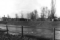 Střední škola technická na Kolofikově nábřeží v roce 1963.
