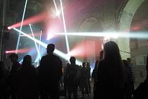 Dechberoucí noc plná hudby a světel v Kostele svatého Václava. Foto: Deník/Aneta Macolová