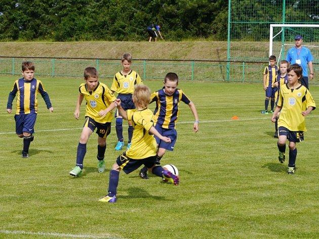 Fotbalový festival v Chlebičově se vydařil. Vítězem druhého ročníku mezinárodního turnaje O pohár Model Obaly a České spořitelny se stali všichni účastníci.
