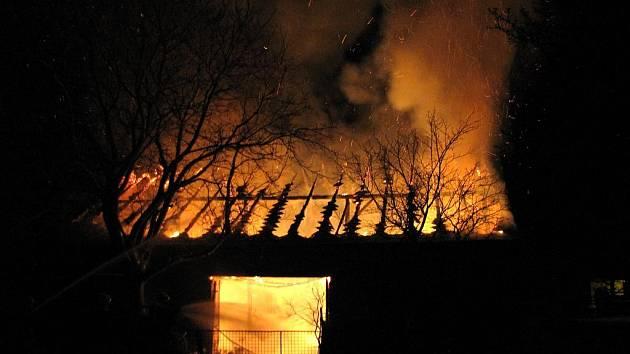 Požár stodoly ve Stěbořicích.