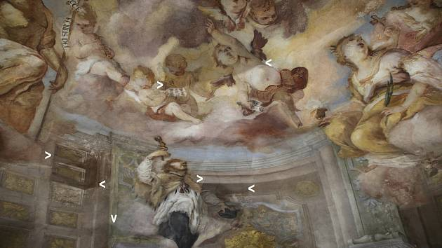 Na obnově fresky se pracuje od loňského prosince.
