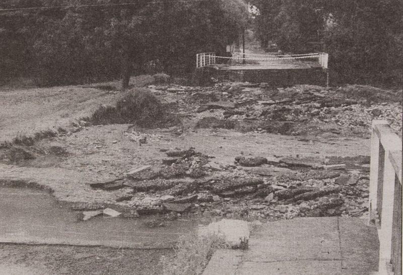 Přechod mezi Vávrovicemi a polskou vesničkou Wiechovicemi musel být kvůli povodni uzavřen.