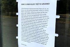Vzkaz fanoušků opavským fotbalistům.