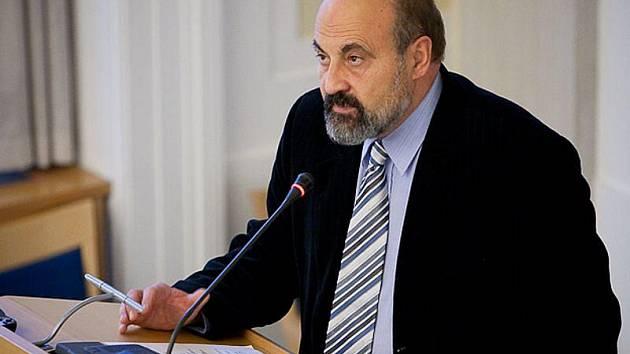 V rámci Dní Josefa Zvěřiny, které se konaly v prostorách Slezské univerzity na konci uplynulého týdne, vystoupil také Tomáš Halík. Spolu s dalšími zástupci i z Polska mluvili ve svých přednáškách na téma Křesťané ve střední Evropě před a po roce 1989.