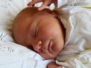 """Adam Riemel se narodil 9. dubna, vážil 3,89 kilogramu a měřil 50 centimetrů. """"Je to naše první miminko. Přejeme mu do života zdraví, štěstí, boží požehnání a ať je hodný,"""" zmínili rodiče Lucie a Martin Riemlovi ze Strahovic."""