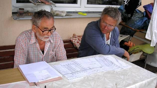 Diskuse nad územními plány. Občané z ulice U Jezera volají poprotihlukových opatřeních.