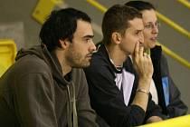 Tomáš Kotrch (vlevo) sledoval sobotní zápas společně se slovenským nahrávačem Michalem Masným.
