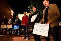 Sobotní odpoledne bylo ve fotbalovém areálu v Kravařích ve znamení fotbalu a charity. Na programu byl již třináctý ročník akce 'Pomozte postiženým dětem', jehož výtěžek je věnován dětskému stacionáři Mraveneček při Charitě Opava.