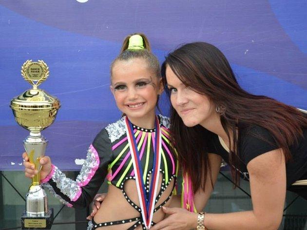 Vitězka světového poháru Beátka Prokšová a její trenérka Daniela.