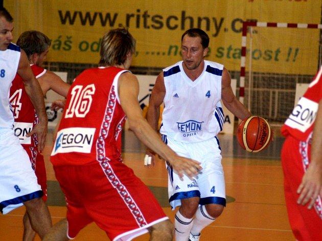 Vítězství! Opavští basketbalisté vstoupili do letošního ročníku druhé nejvyšší soutěže na domácí paubovce dvěma výhrami.