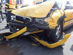 Na rušné křižovatce mezi Opavou a Malými Hošticemi v Kateřinkách došlo v pondělí kolem půl čtvrté odpoledne k dopravní nehodě.