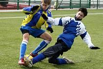 Hřiště s umělou trávou v Kylešovicích bylo v pátek dejištěm fotbalového turnaje dorostenců.