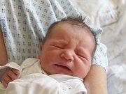 Nikola Čechová se narodila 5. července, vážila 3,58 kilogramů a měřila 51 centimetrů. Rodiče Milada a Petr z Opavy jí přejí aby byla v životě zdravá, šťastná a stále měla jen úsměv na tváři. Na Nikolku už doma čeká brácha Jakub.