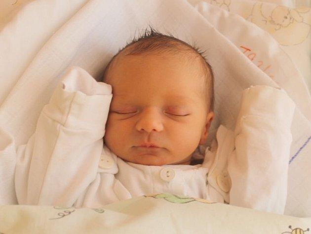 """Klaudie Vagusztynová se narodila 2. října, vážila 2,64 kg a měřila 47 cm. """"Ať má v životě hodně štěstíčka, ale hlavně i zdravíčka,"""" přáli si rodiče Dagmar a Marek z Branky u Opavy."""