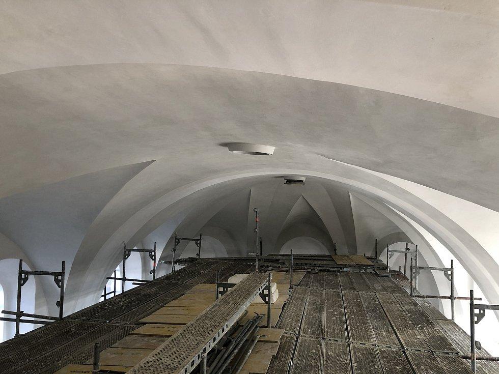 Z průběhu oprav opavské konkatedrály.