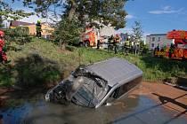 Nehoda, dodávka, Dolní Benešov, 4. října 2020.