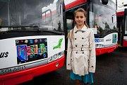 Desetiletá Klára Zavadilová z Opavské Základní školy T. G. Masaryka je autorkou kresby a názvu jednoho z nových trolejbusů. Vůz byl pokřtěn jménem Městobus.