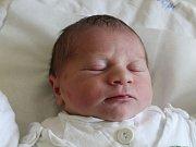 Matyáš Jan Novák se narodil 2. listopadu, vážil 3,45 kilogramu a měřil 47 centimetrů. Rodiče Michaela a Jan z Opavy mu přejí, aby byl zdravý, šťastný a spokojený. Na bratříčka už doma čekají sourozenci Natálka a Tomášek.