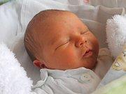 Hugo Krzisch se narodil 27. března, vážil 3,26 kilogramů a měřil 49 centimetrů. Rodiče Nikola a Roman z Kravař mu do života přejí zdraví a štěstí. Na brášku se těší sestřička Vilma.