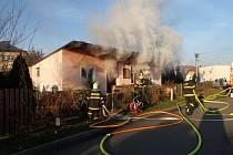 Požár domu v Píšti.
