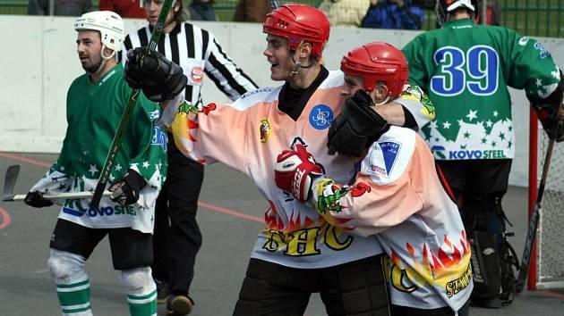 Opavu čeká Evropa! Hokejbalisté Opavy mají před sebou hodně náročnou sezonu. Krome extraligy je totiž čeká  i účast v pohárové Evropě.