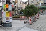 Manévry v Opavě: Horní náměstí bylo kvůli nálezu kufru zavřeno.