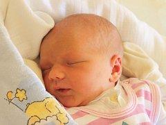 Kristýna Kopecká se narodila 7. října, vážila 3,34 kg a měřila 49 cm. Maminka Lucie a bratříček Viktor z Opavy přejí Kristýně do života štěstí a zdraví.