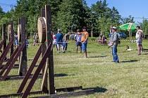 Slezský turnaj v hodu nožem a tomahawkem v Kravařích.