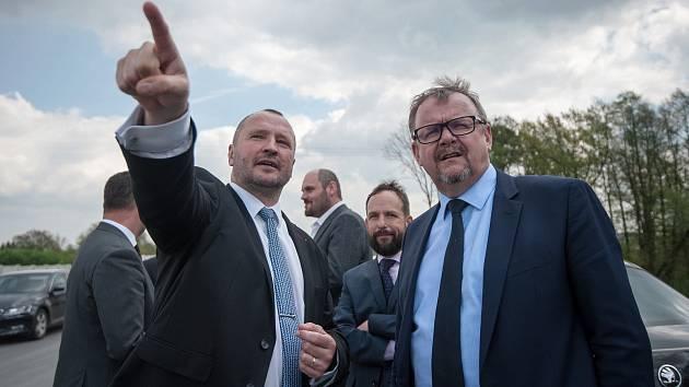 Vláda ČR na návštěvě v Ostravě, 24. dubna 2018 v Ostravě. (vlevo) Jakub Unucka a Dan Ťok (ministr dopravy).