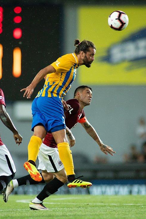 Zápas 1. kola FORTUNA:LIGY mezi AC Sparta Praha a SFC Opava 21. července 2018 v Generali areně v Praze. Pavel Zavadil - o, Nicolae-Claudiu Stanciu - acs.