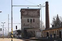 Bývalou vodárenskou věž v Opavě u východního nádraží prodaly České dráhy už vloni.