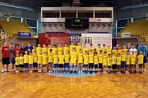 Třetího ročníku basketbalového kempu se celkem zúčastnila skoro padesátka dětí.
