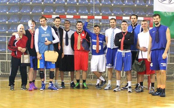 Do kabelkového a kravatového veletrhu Deníku se zapojili také basketbalisté BK Opava.