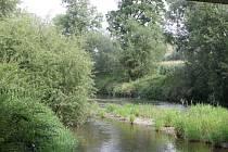 Řeka Opava ve Vávrovicích. Ilustrační foto.
