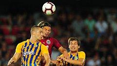 Fotbalové utkání Fortuna ligy mezi celky AC Sparta Praha a SFC Opava 21. července v Praze. Matěj Pulkrab bojuje proti opavské přesile.