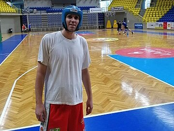 Luděk Jurečka si protrpěl své, nyní si zvyká na boxerskou helmu.